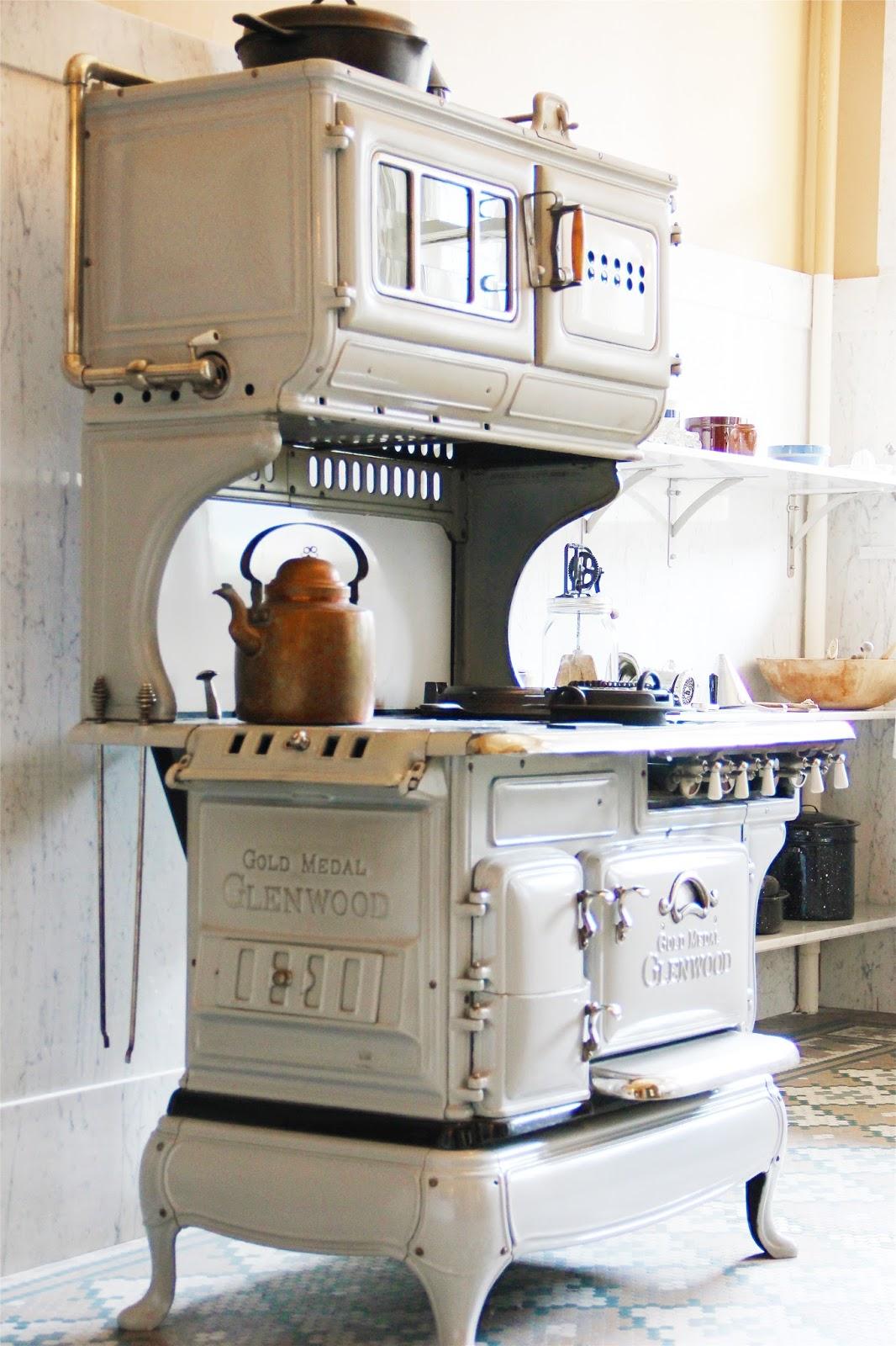 Patrzeć na życie w zachwycie Urocze kuchnie w stylu retro -> Kuchnia Gazowa Retro Wolnostojąca