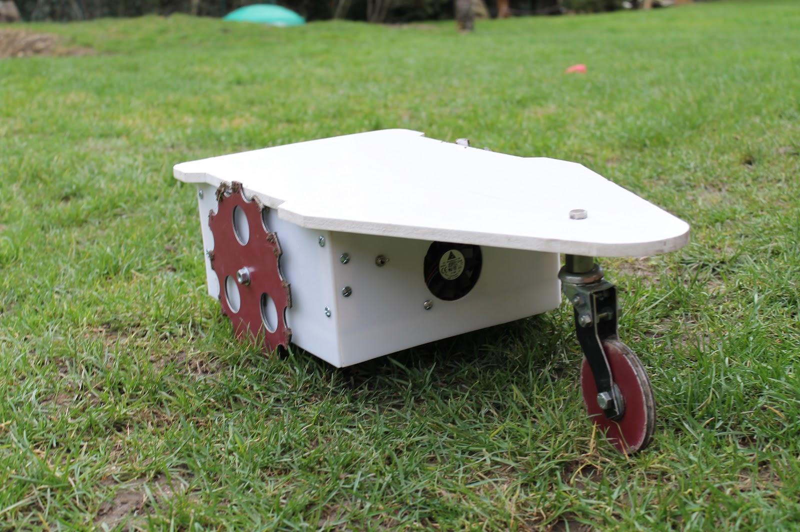 diy cutflower tondeuse robot par arduino. Black Bedroom Furniture Sets. Home Design Ideas