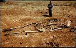 I greci chiamavano Pelasgi il più antico popolo della terra. I Pelasgi erano Divini