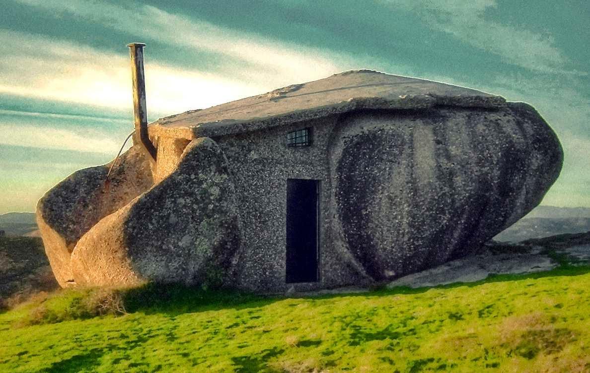 Hipoteca y casa de piedra