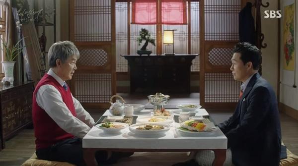 Phim Remember: Yoo Seung Ho chết lặng khi bố bị tuyên án tử hình