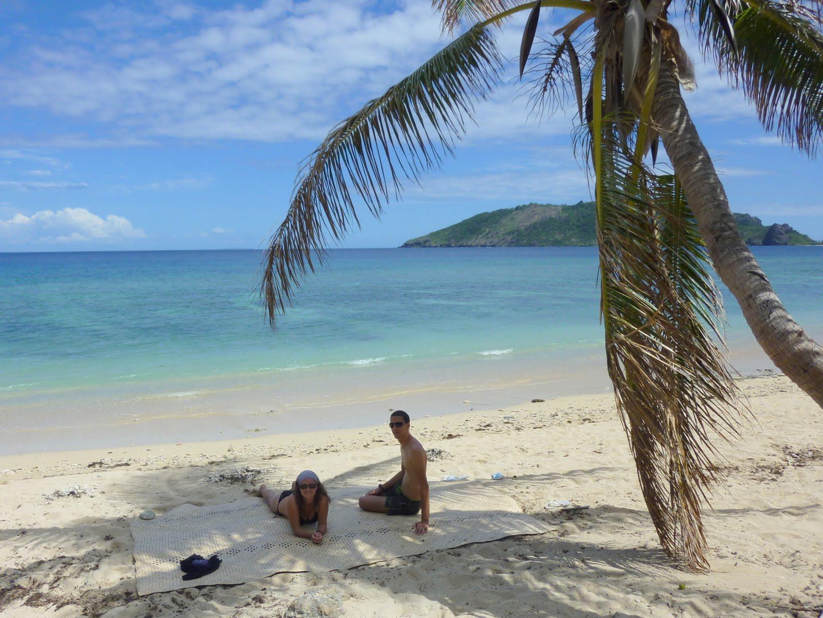 Playa de Yasawas, islas Fiji, la aventura de pablo y elena, vuelta al mundo, round the world,