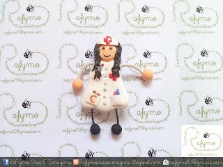 Broche de enfermera sin fonendo hecho con Fimo