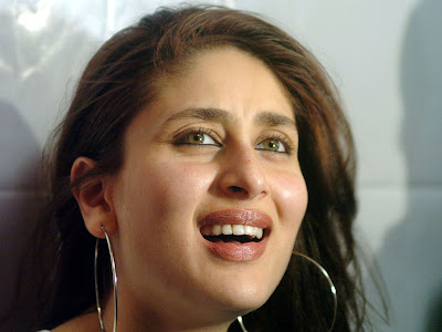 Kareena Kapoor Standard Resolution Wallpaper 9