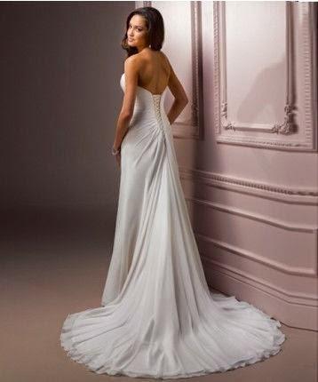 Vestido de Novia con Pliegues Diagonales y Falda Recta