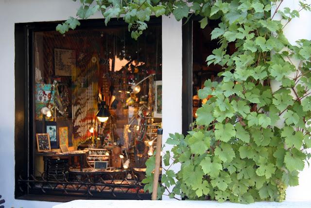 vitrine Les perles de Guéthary