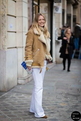 Pantalones de campana blancos street style 2015