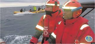 L.S.Tabarca y su tripulación durante las labores de busqueda