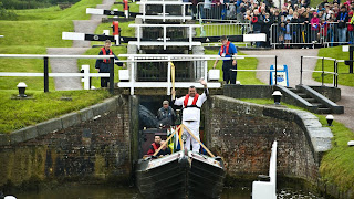 Next London Olympics 2012 : Olympic Flame Visits Foxton Locks