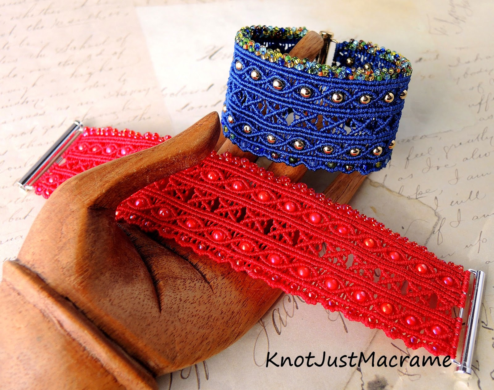 Micro macrame cuff pattern in two different colorways.