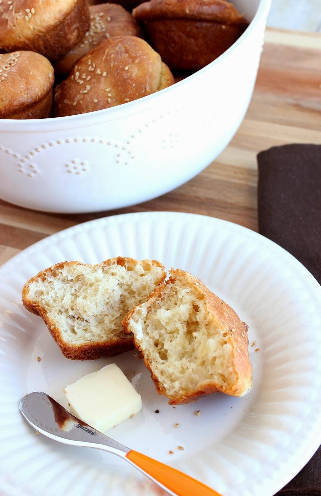 Sesame Seed Dinner Roll Recipe