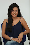 Mishti Chakraborthy latest dazzling pics-thumbnail-15