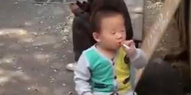 Balita Merokok Paling Heboh