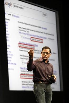 Amit Singhal do Google, mostrado em 2009, vê melhores jogos para consultas.