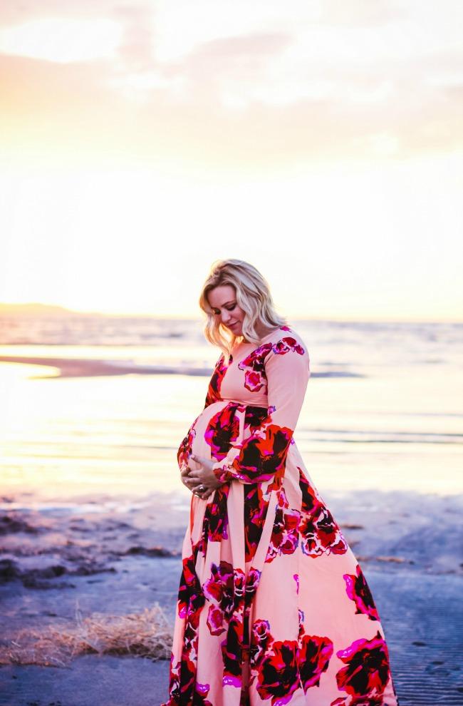 http://api.shopstyle.com/action/apiVisitRetailer?url=http%3A%2F%2Fus.asos.com%2FASOS-Maternity-Maxi-Caftan-Dress-With-Keyhole-In-Floral-Print%2F169326%2F%3Fiid%3D4911641%26mporgp%3DL0FTT1MtTWF0ZXJuaXR5L0FTT1MtTWF0ZXJuaXR5LU1heGktS2FmdGFuLURyZXNzLVdpdGgtS2V5aG9sZS1Jbi1GbG9yYWwtUHJpbnQvUHJvZC8.&pid=uid5529-24557523-81
