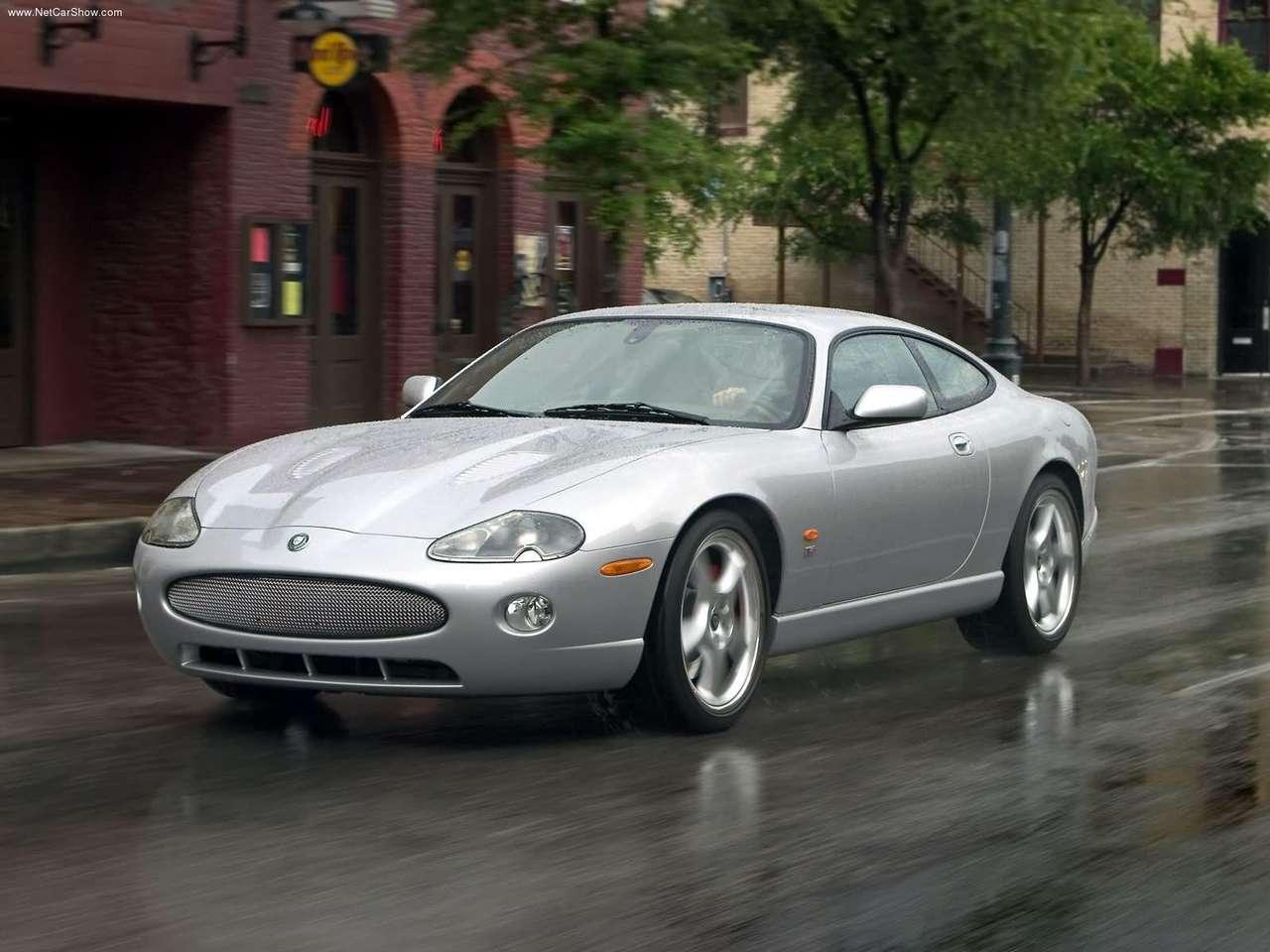 http://4.bp.blogspot.com/-sJSWZ1mt9k8/TZMgT7MD5KI/AAAAAAAACLs/kihqyWAaD5M/s1600/Jaguar-XKR_Coupe_2005_1280x960_wallpaper_01.jpg