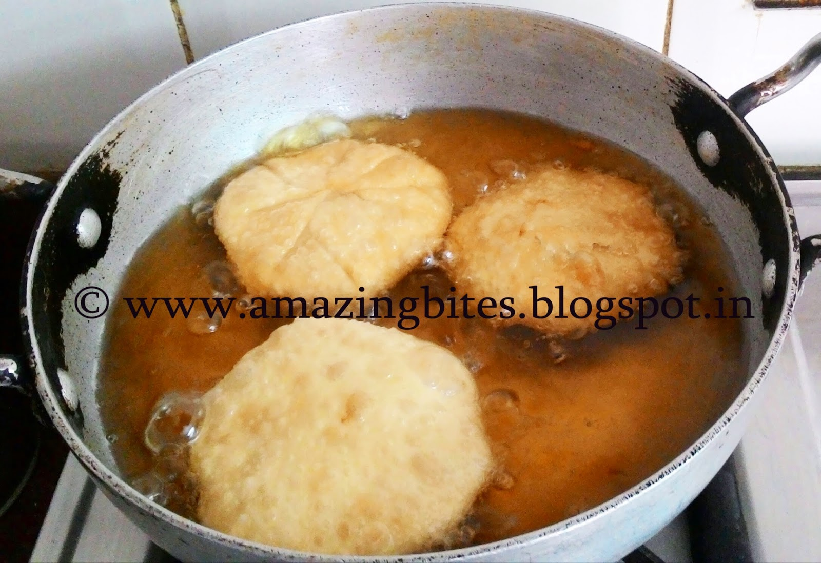 making pyaz kachori