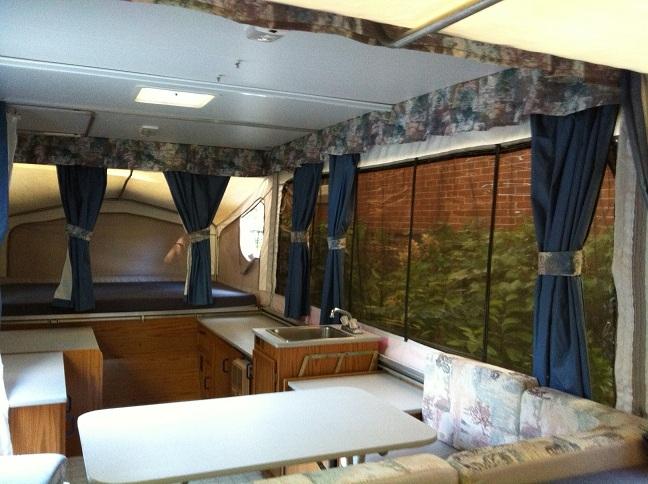 v hicule r cr atif motoris caravaning vendre octobre 2012. Black Bedroom Furniture Sets. Home Design Ideas