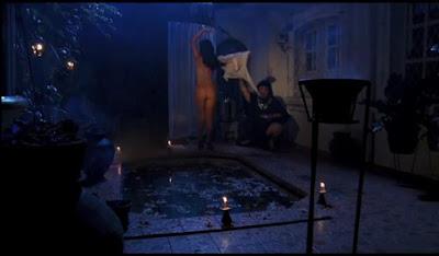 Foto Bugil Telanjang Jupe Julia Perez di Film Rumah bekas kuburan