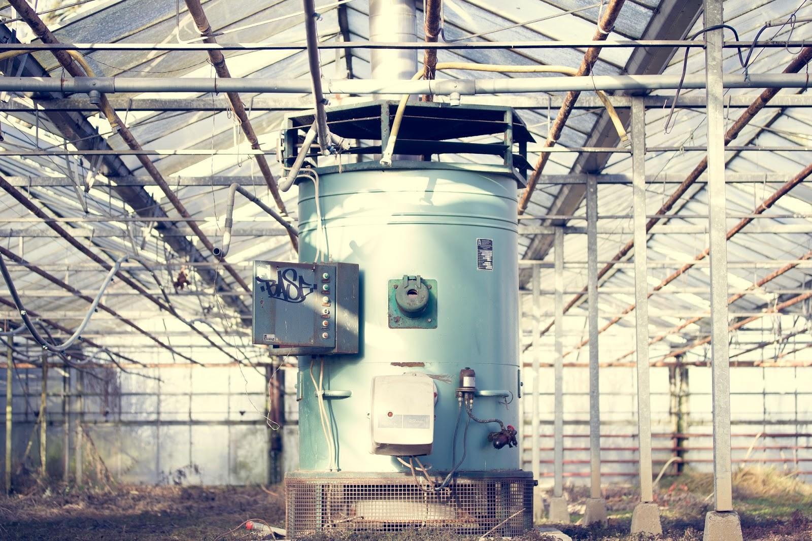 Maschine in Gewächshaus in Immerath Garzweiler Reportagefotografie Andreas Blauth