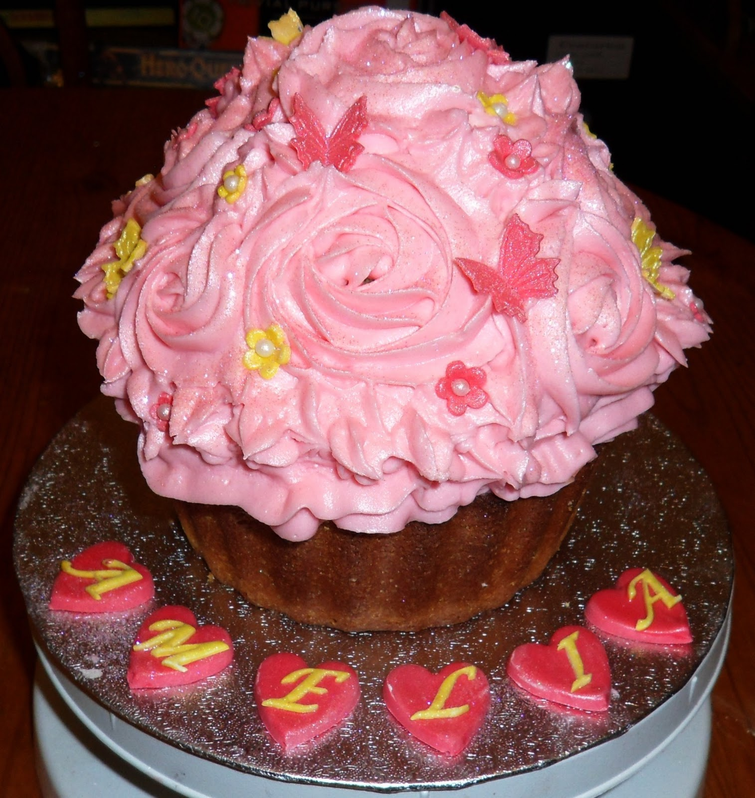 Giant Cupcake Decorating Ideas Birthday : The Fondant Fairy: 20th Birthday Giant Cupcake