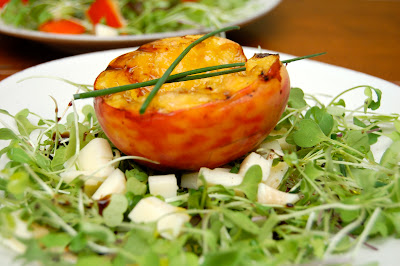 Grilled Peach and Arugula Salad | www.kettlercuisine.com
