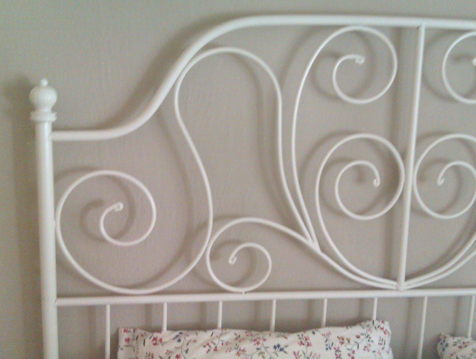 Camas de metal antiguas stunning antiguo cabecero para - Cabeceros de cama antiguos ...