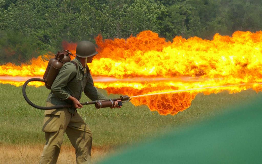 Explication ou deban pour revoir les fidelle tsar est les autres Flame-thrower3