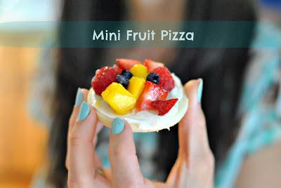 Kate's Kitchen: Mini Fruit Pizza