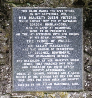 The memorial of the 1899 meeting between Queen Victoria and the 1st Battalion Gordon Highlanders