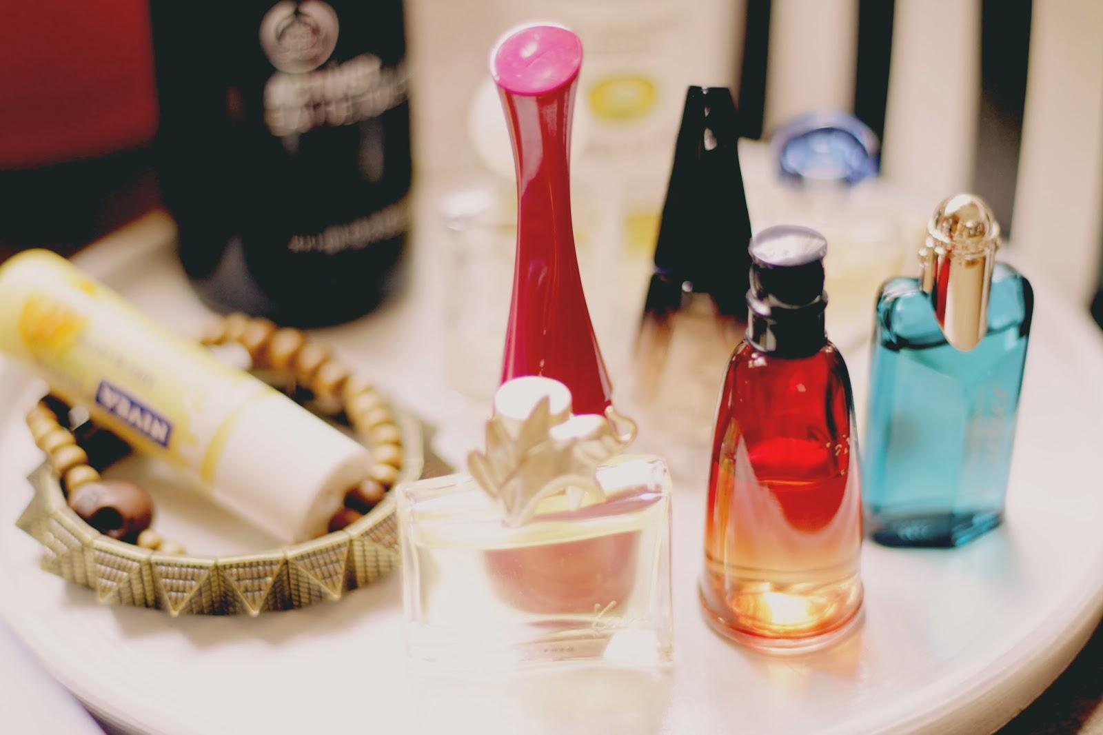 Bazar masculino organiza o algumas dicas para organizar suas amostrinhas de perfume ou miniaturas - Perfumes en casa ...