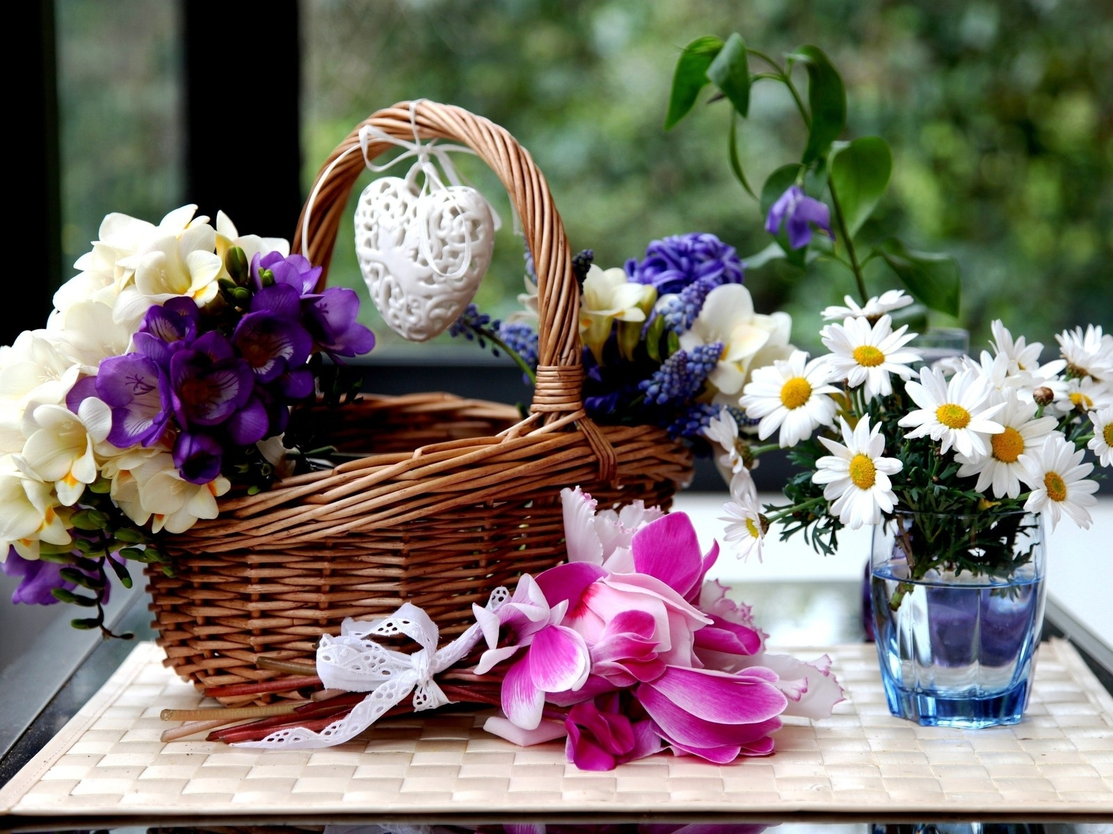 Images Of Flower Baskets : Beautiful flower wallpapers for you flowers basket wallpaper