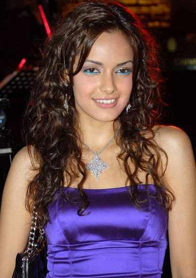 Sexy Shazahn Padamsee Photos width=