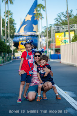 Lisa, Bella, and Jackson dressed in red, white and blue on Hollywood Blvd at Disney's Hollywood Studios