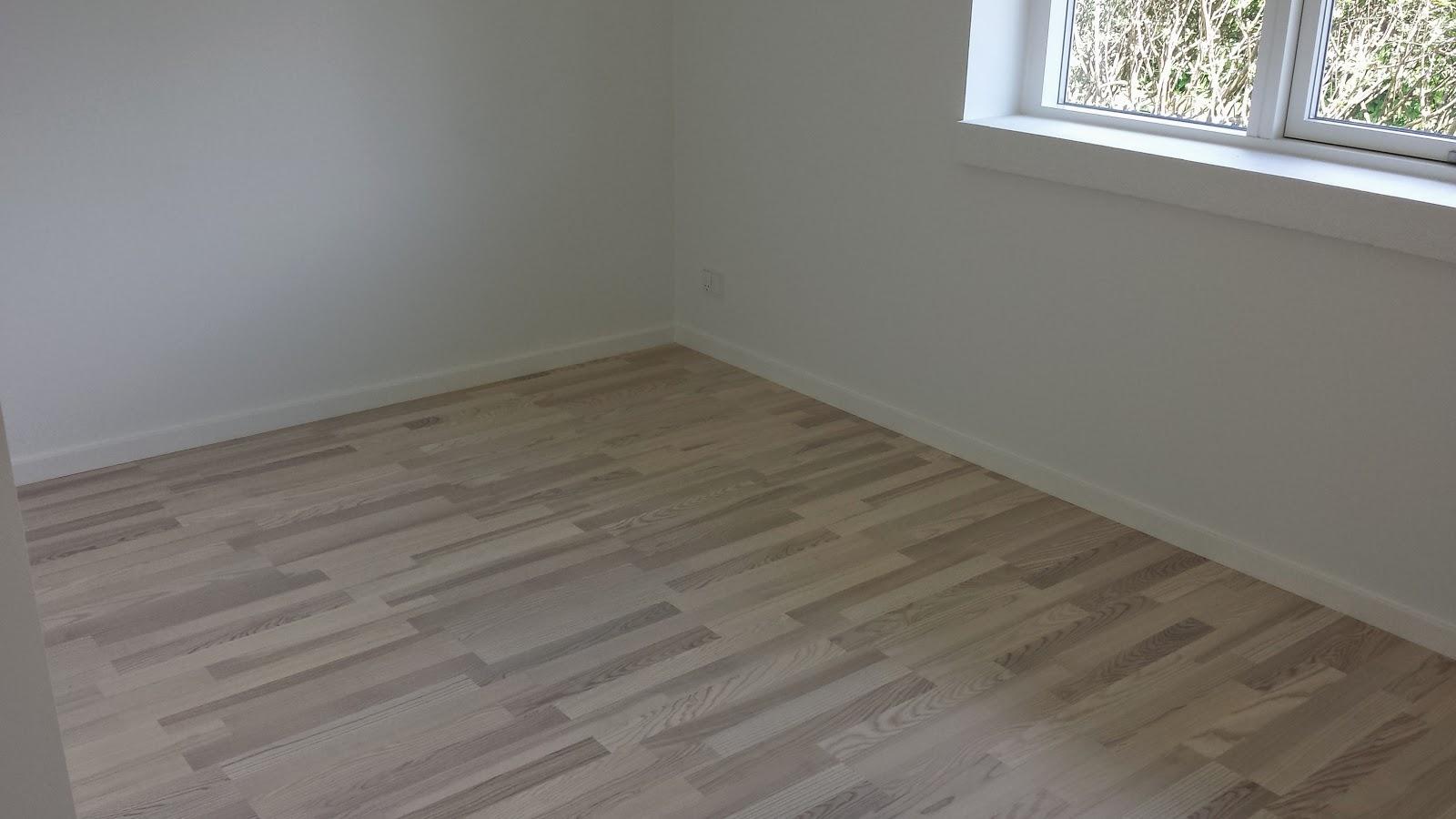 Ujævne gulve i vores hus fra Huscompagniet.