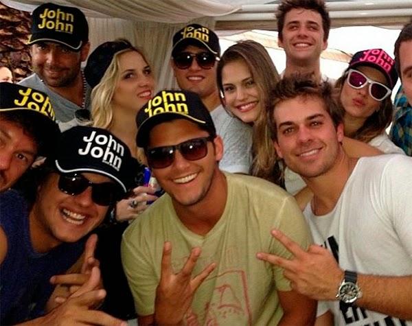 selfie como usar boné John John