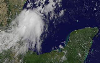 Entwicklung bei Veracruz | Tamaulipas im Golf von Mexiko, Mexiko, Golf von Mexiko, aktuell, Satellitenbild Satellitenbilder, August, 2012, Hurrikansaison 2012, Atlantische Hurrikansaison,