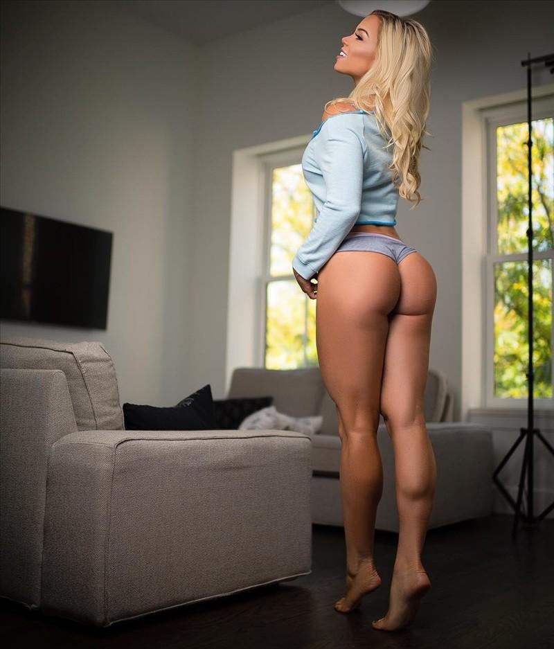 01 Fitness Model Lauren Drain
