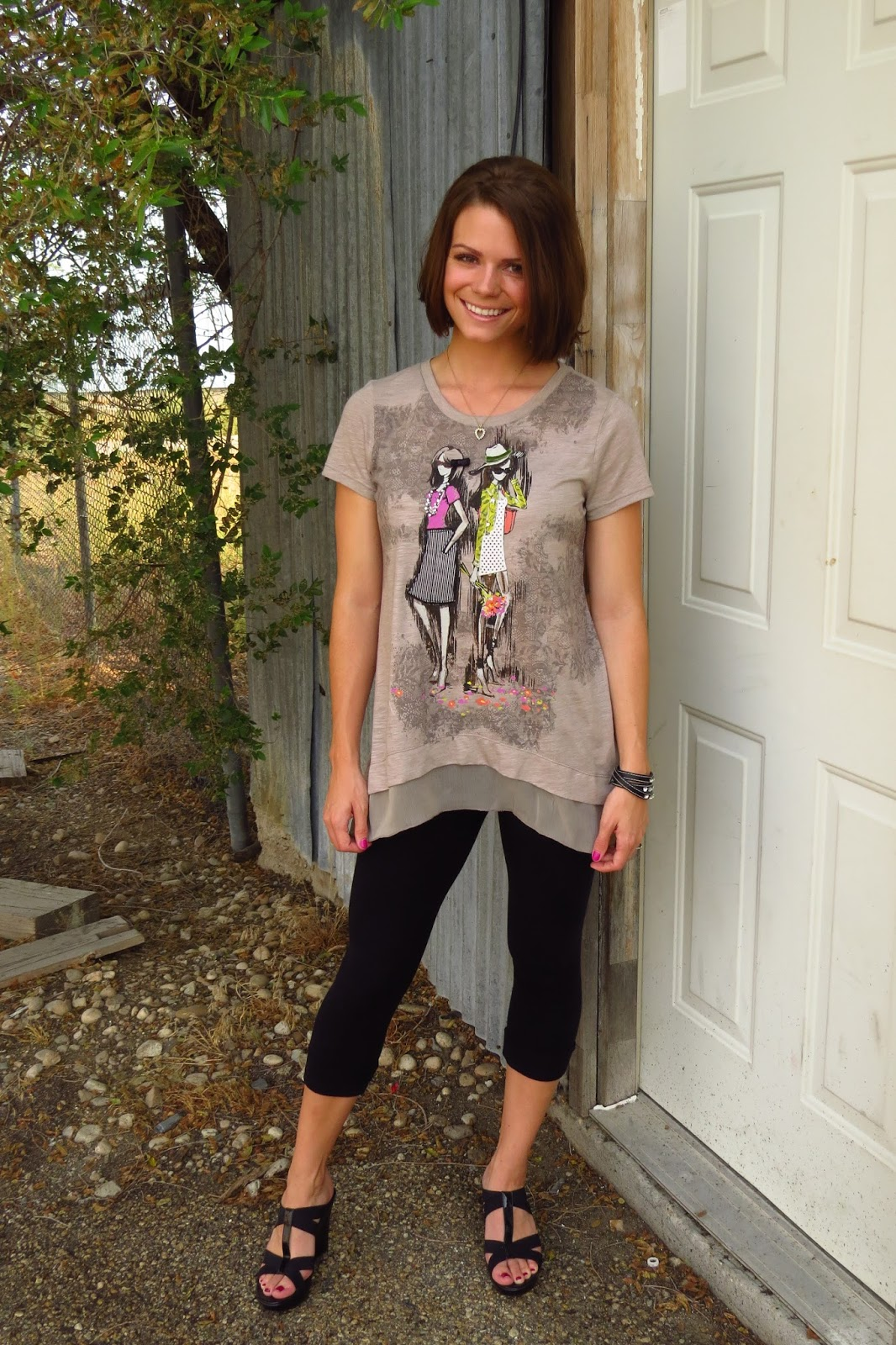 graphic high-low tee