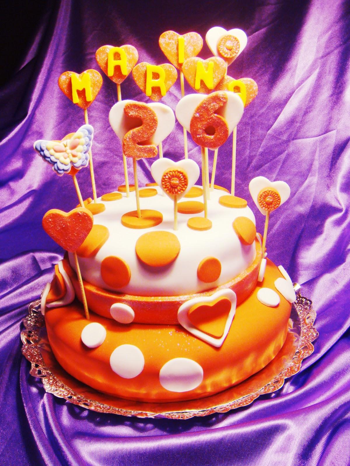Pastel de dos pisos decorados con fondant daydelicious - Pisos decorados con encanto ...