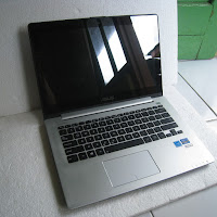 ASUS VivoBook S300CA Touch screen
