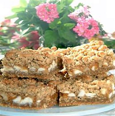Oatmeal Caramel White Chip Bars