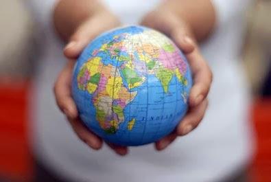 Στα χέρια μας κρατάμε... τη ζωή μας