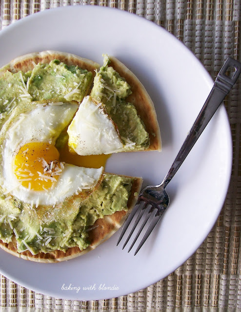 Baking with Blondie : Egg and Avocado Breakfast Pita Pizza