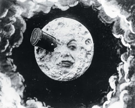 Marie-Georges-Jean-Méliès foi um ilusionista francês de sucesso e um dos precursores do cinema, que usava inventivos efeitos fotográficos para criar mundos fantásticos.