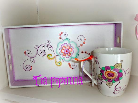 Bandeja y taza