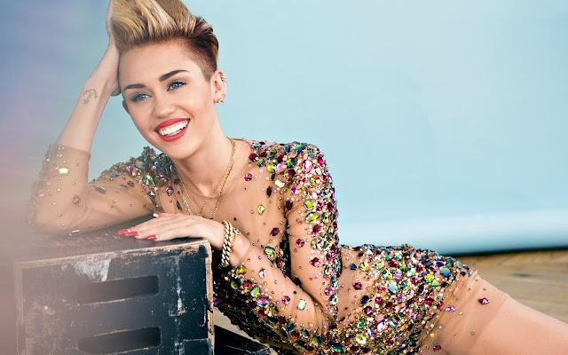 El quinto álbum de Miley Cyrus está sujeto a una campaña de desprestigio.