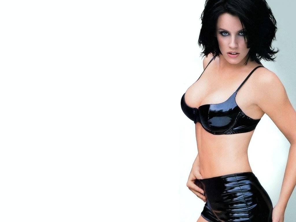 http://4.bp.blogspot.com/-sM0EtN8cv1o/T8B5ITim9dI/AAAAAAAABos/uptlaIx7u-g/s1600/jenny-mccarthy-bikini-wallpapers-+%2810%29.jpg