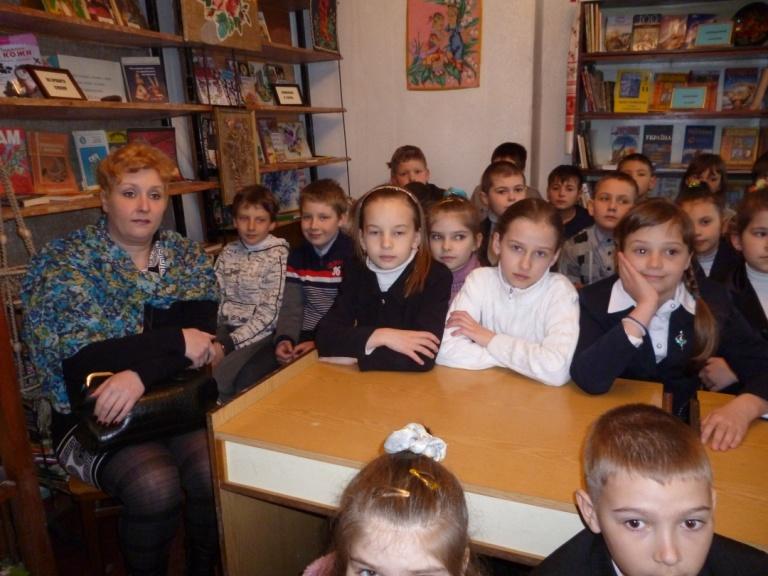 Діти з радістю впізнаваливеселу пісню