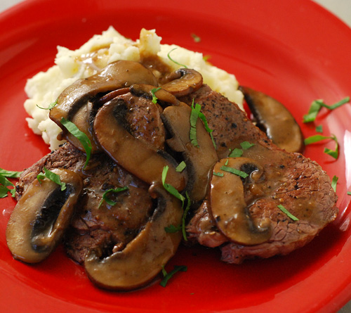griddle, Beef medallions with whiskey mushroom sauce